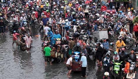 detiknews banjir hari ini banjir di jakarta hari ini diperkirakan jam 8 10 metro
