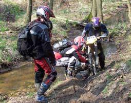 Motorrad Fahren Ohne A Führerschein by Motocross Enduro Fahren In Tessin Als Geschenkidee Mydays