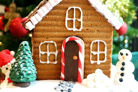 How To Decorate A Gingerbread House by How To Decorate A Gingerbread House S
