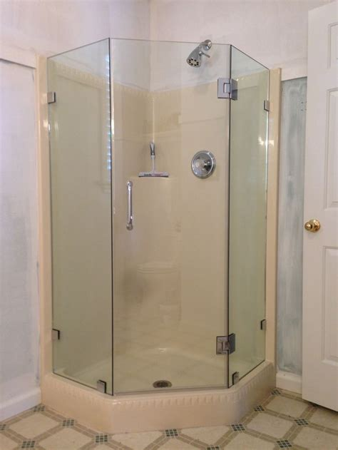 All Glass Shower Door Looking For A Space Save For Your Small Bathroom A Corner Shower With Neo Angle Shower