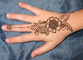 Simple mehndi designs for girls 2015 16