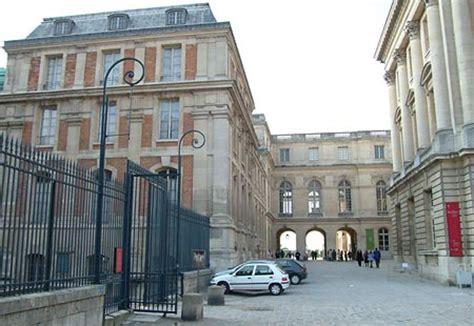 Re Escalier 264 by L Appartement Des Polignac 224 Versailles Page 3