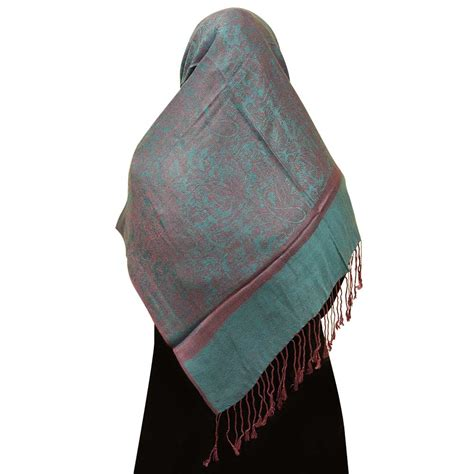 paisley pattern hijab lavander hijab with overall paisley design scarf hj107