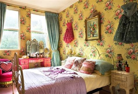 decorating a room in boho chic