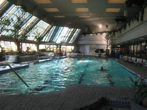 Ascuaga S Nugget Casino Resort In Sparks Nv Nugget Atrium Pool Picture Of Ascuaga S Nugget
