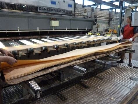 production woodworker veneers production