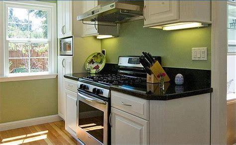 dachgeschoss küche k 252 che kleine dachgeschoss k 252 che einrichten kleine