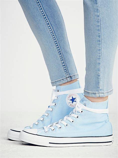 light blue converse high tops best 25 light blue converse ideas on blue