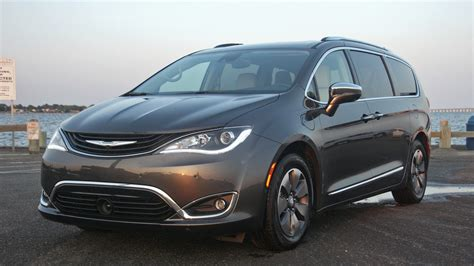 2019 Chrysler Minivan 2019 chrysler pacifica hybrid new review this in