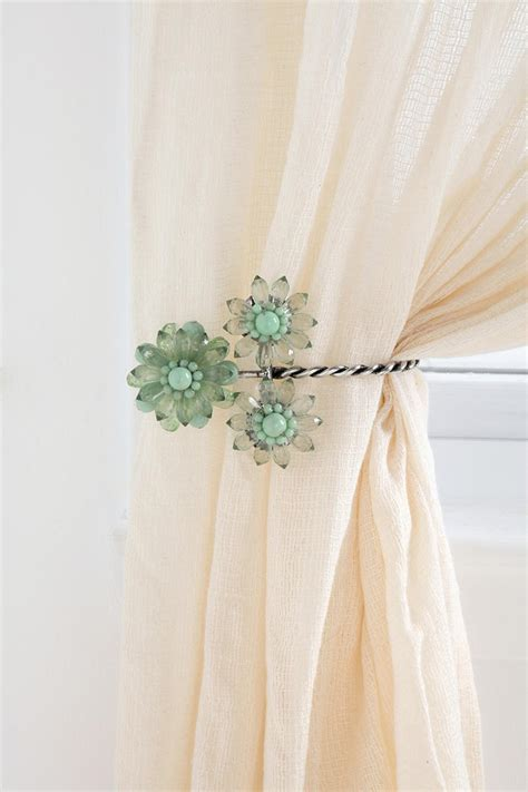 Triple Beaded Flower Curtain Tie Back