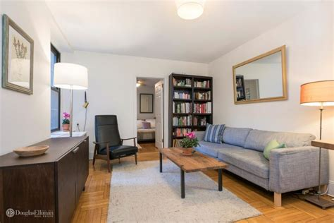 one bedroom apartments brooklyn lovely 1 bedroom apartment in brooklyn heights selling for