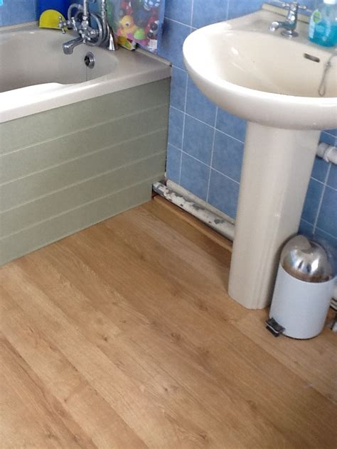 Vinyl Floor Fitted to Small Bathroom   Flooring job in