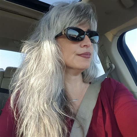 highlights for white hair on older women 17 best images about gray hair on pinterest short grey