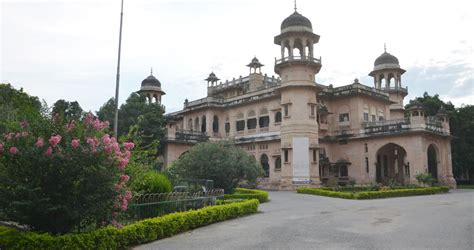 Monirba Mba Fees by Fees Structure And Courses Of Allahabad Au