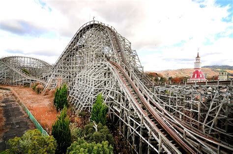 dreamland theme man captures japan s abandoned theme park in eerie photos photos image 2 abc news