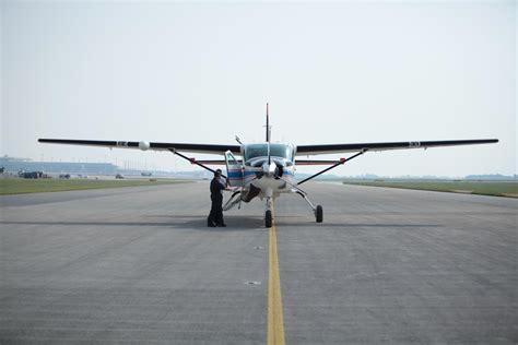fort dodge airport flights s budget plan could end passenger flights to rural