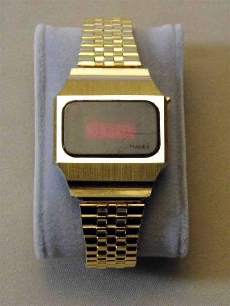 file vintage timex s electronic led