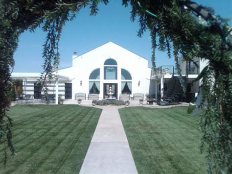 Destiny's Garden   Amarillo, TX Wedding Venue