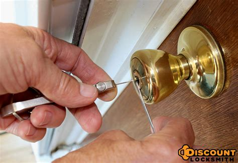 How To Pick A House Door Lock