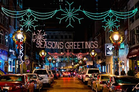 roundup 11 must see holiday light displays and