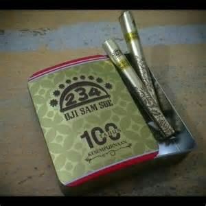 Kertas Rokok Dji Sam U dji sam soe mengeluarkan packaging edisi 100 tahun koh huang