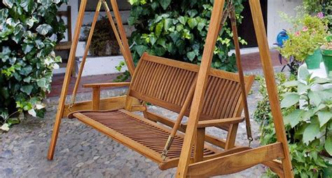 arredo da giardino in legno dondolo da giardino in legno arredamento giardino