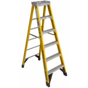 werner 6 ft fiberglass step ladder with 375 lb load