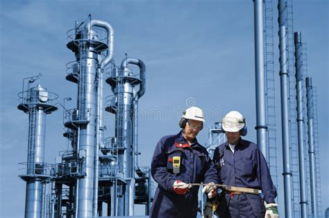 two workers fatally overcome by gas at the norske skog paper mill of albury the wimmera and gas workers inside refinery stock image image of engineering plant 34975637
