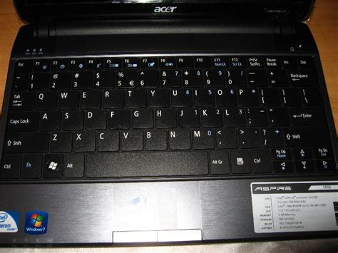 Laptop Acer Aspire E 1410 acer aspire as1410 2285 laptop review 012