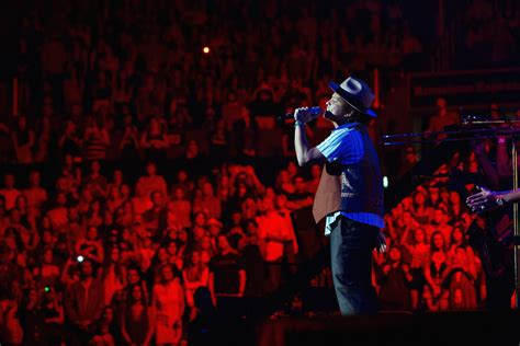 bruno mars moonshine jungle tour bruno mars photos photos bruno mars moonshine jungle