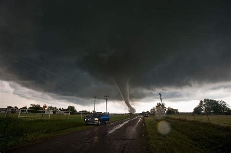 tornadoes touch in oklahoma