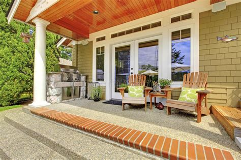 la casa della sedia esterno della casa della cagna vista portico della