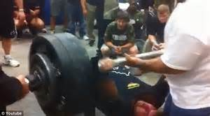 college bench press record the moment high school football player bench pressed 700