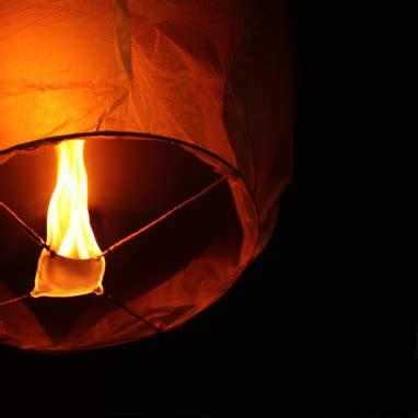 come costruire lanterne volanti anacapri vietate le lanterne volanti agro 24