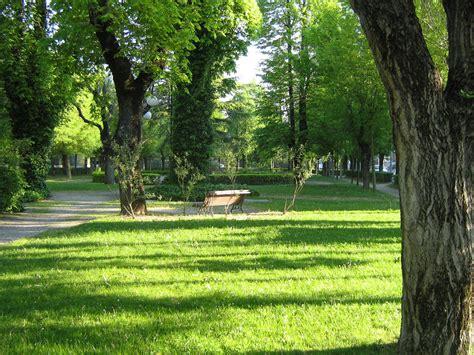 giardini pubblici ravenna file castel goffredo giardini pubblici jpg wikimedia