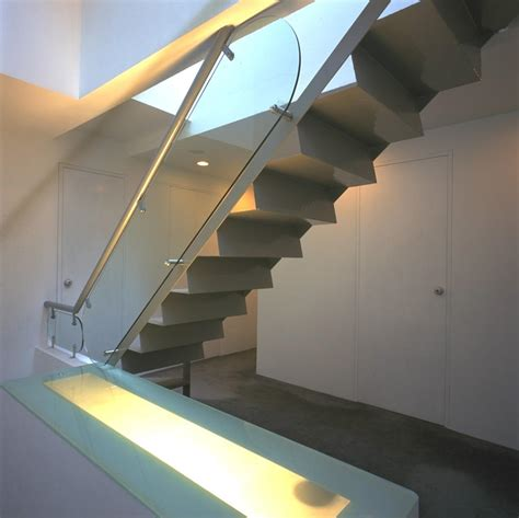 Minimalist Stairs Design Ideas 19 Modern And Stair Design Ideas To Inspire You House Stairs House Stairs
