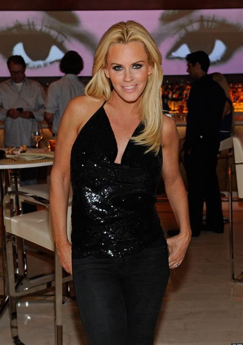 jenny mccarthy bathtub jenny mccarthy poses in the bath for hollywood at home special huffpost