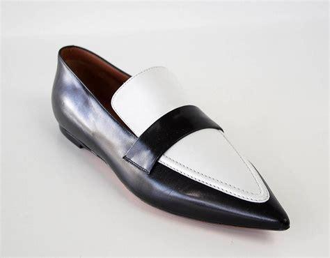shoe sleek black and white flat pointed toe 39 9