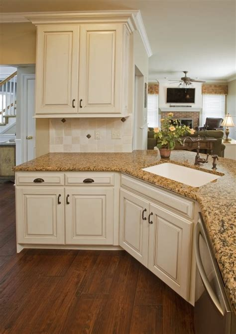 Refinishing Maple Kitchen Cabinets 17 Best Images About Kitchen Ideas On Samsung Countertops And Ivory Cabinets