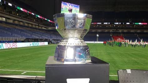argentina  mexico trofeo de la leagues cup exhibido