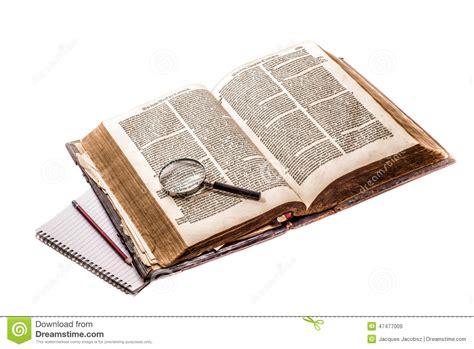 una biblia the biblia holandesa vieja imagen de archivo imagen de cuero