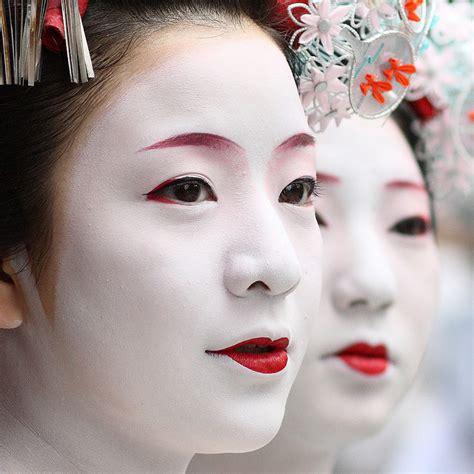 Eyeshadow Japan arplus the mask of a geisha