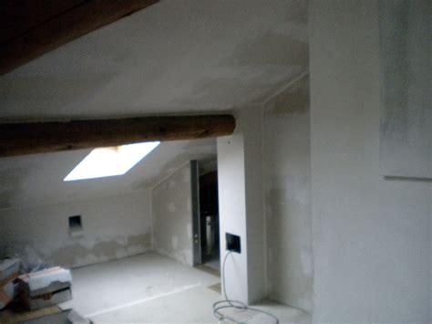 isolamento soffitti foto mansarda pareti soffitti rivestiti in cartongesso