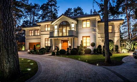 28 luxusvilla designs die atemberaubend aussehen