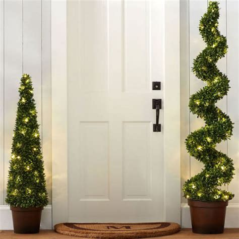 13 best outdoor christmas decorations for 2018 christmas