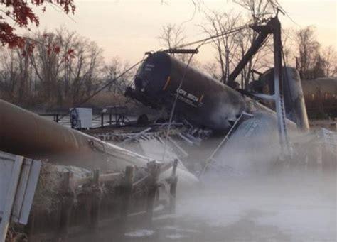 a train derails in paulsboro, n.j., releasing 23,000