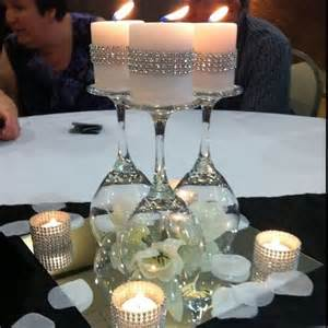 Round Table Mirrors Best 25 Wedding Table Centerpieces Ideas On Pinterest