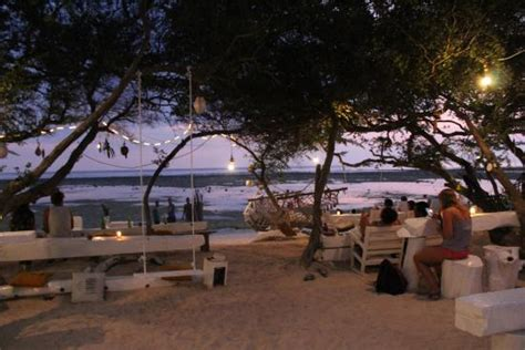 casa vintage beach gili trawangan foto de casa vintage beach gili trawangan sunset