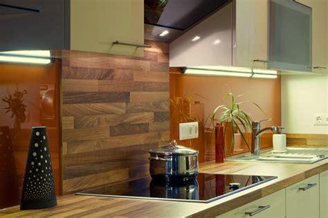 Beschichtete Holzplatte Lackieren by Praktische Ideen F 252 R Einen K 252 Chenspiegel Aus Glas