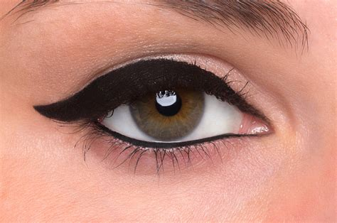 how to do winged eyeliner or cat eye liner beautylish